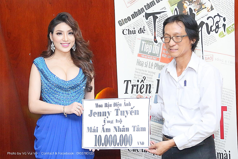 Hoa hậu điện ảnh Jenny Tuyến tham giá đấu giá tranh gây quỷ từ thiện