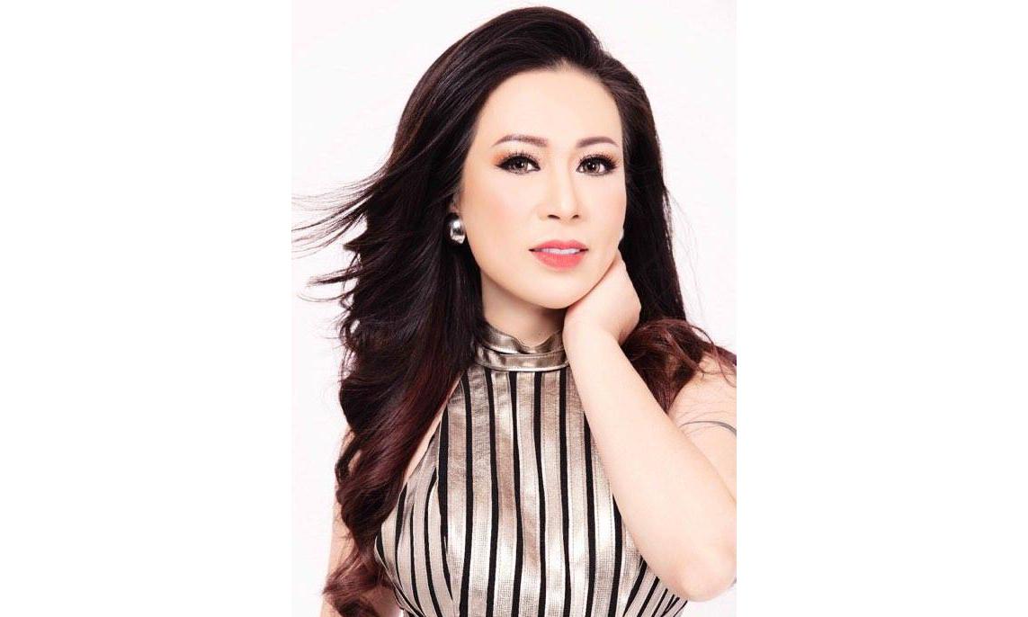 Hoa hậu Kristine Thảo Lâm đẹp như Nữ hoàng tuyết trắng trong trang phục NTK Châu Phạm