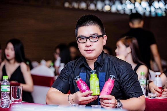 CHÂN DUNG CEO KINH DOANH SAU 2 NĂM KIẾM TIỀN TỶ KHIẾN GIỚI TRẺ NGƯỠNG MỘ