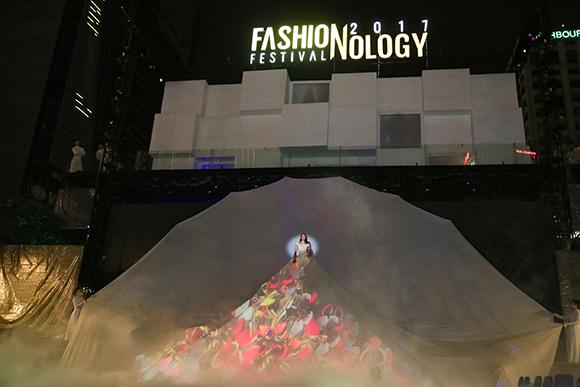 Sân khấu siêu khủng tại Fashionology Festival 2017