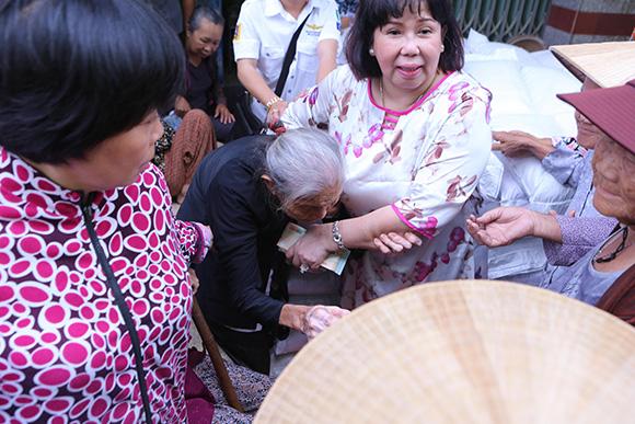 Doanh nhân Trần Thị Mỹ Hiền: 'Cùng san sẻ khó khăn với bà con đồng hương' là hạnh phúc lớn nhất trong cuộc đời tôi
