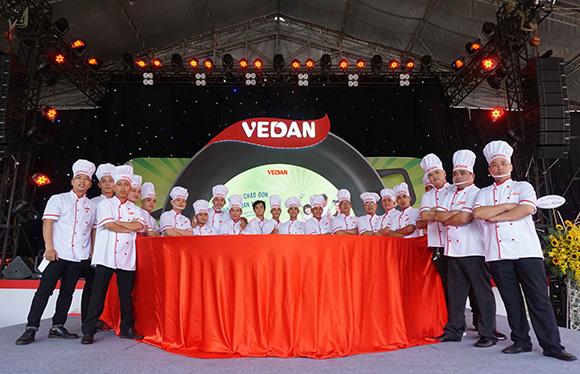 Vedan lập kỷ lục 'chảo cơm chiên lớn nhất Việt Nam'