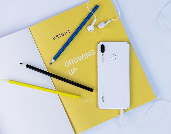 Huawei Nova 3i phiên bản trắng ngọc trai chính thức ra mắt tại Việt Nam