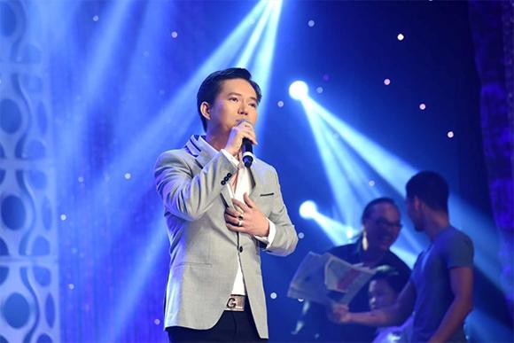 Giải vàng tài năng âm nhạc Mạnh Tiến tự hào khi được hát cho nhiều khán giả