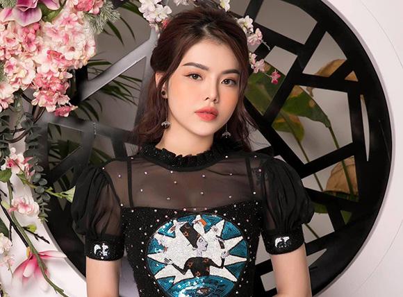 Người mẫu Trần Thảo Vi cực style với cô nàng thành thị