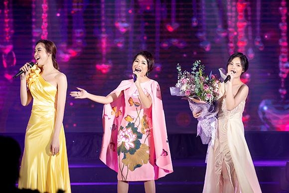 Sunny Đan Ngọc bản lĩnh với bài hát Never Enough với chất giọng Opera cao vút