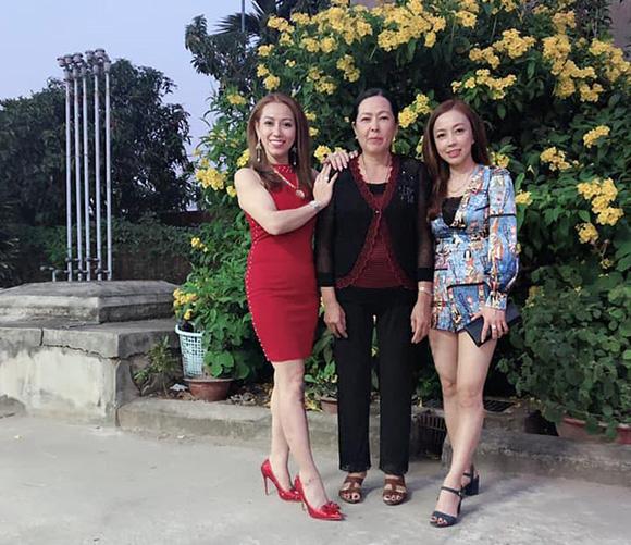 Hoa hậu Thanh Thúy làm từ thiện thực hiện ước nguyện của bố.