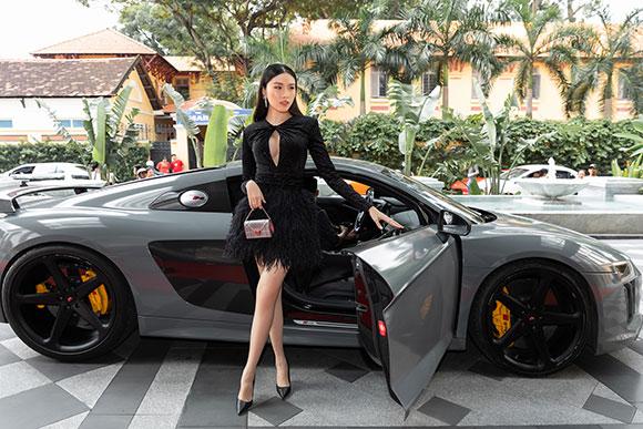 VOV Super Cars  tung dàn siêu xe vang danh thế giới đón dàn Sao Gái già lắm chiêu 3