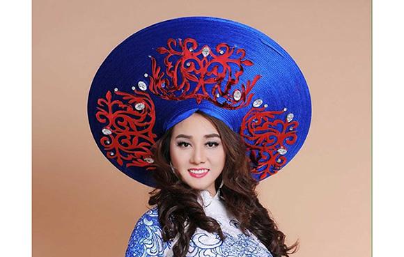"""Đêm nhạc """"Sắc màu tình yêu"""" do hoa hậu Nhã Linh tổ chức quy tụ dàn nghệ sĩ nổi tiếng TP. Hồ Chí Minh."""