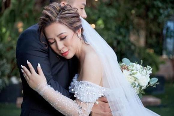 Lộ ảnh cưới đẹp nhu mơ của Hoa hậu Kristine Thảo Lâm