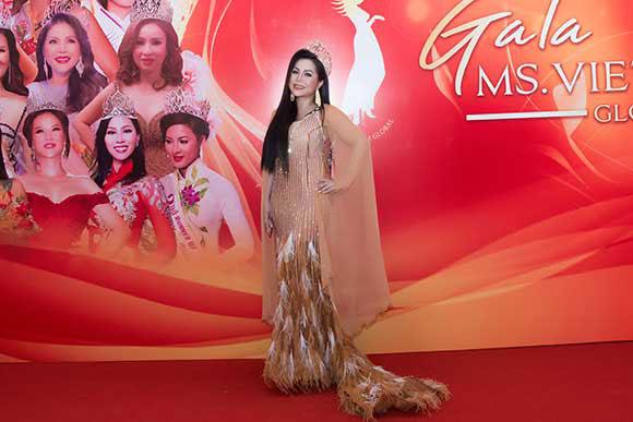 """Sau một năm đăng quang, Hoa hậu Kayla Kao """"kể chuyện"""" lý do thi hoa hậu"""