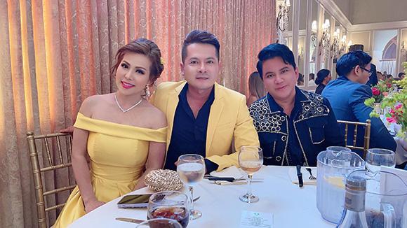 Ca sĩ Quang Toàn, Thắm Bebe và diễn viên Hoàng Anh là khách mời VIP tại show ca nhạc Hoa và Nhạc