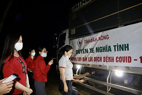 Chuyến xe nghĩa tình tỉnh Đắk Nông làm ấm lòng người dân TP. Hồ Chí Minh